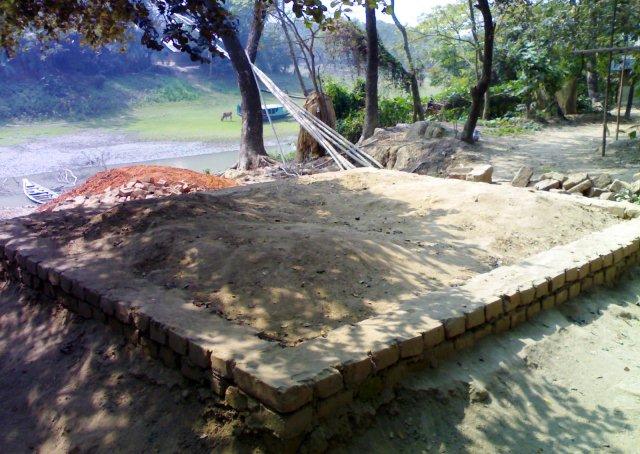 উকিল মুন্সী ও পুত্র আবদুর সাত্তারের কবর। জৈনপুর, মোহনগঞ্জ, নেত্রকোনা। ফেব্রুয়ারি ২০১২।